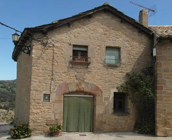 Casa MEDIANERO